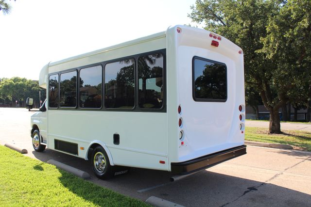 2013 Ford E350 15 Passenger Starcraft Shuttle Bus W/ Wheelchair Lift Irving, Texas 5
