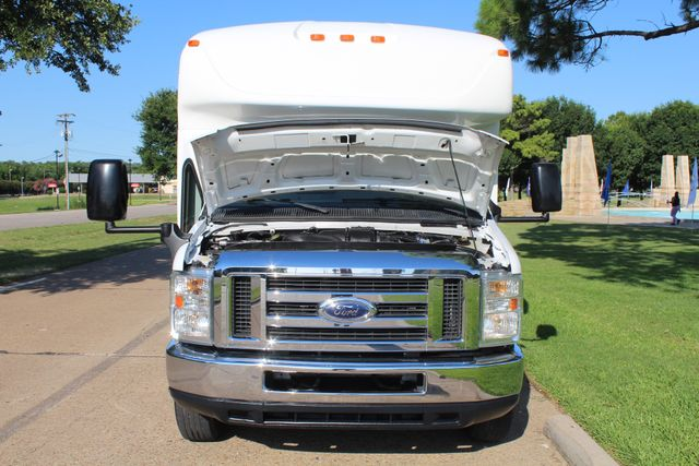 2013 Ford E350 15 Passenger Starcraft Shuttle Bus W/ Wheelchair Lift Irving, Texas 59