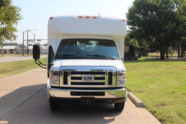 2013 Ford E350 15 Passenger Starcraft Shuttle Bus W/ Wheelchair Lift Irving, Texas 1