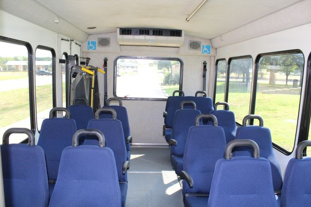 2013 Ford E350 15 Passenger Starcraft Shuttle Bus W/ Wheelchair Lift Irving, Texas 16