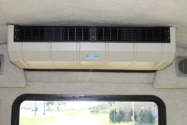 2013 Ford E350 15 Passenger Starcraft Shuttle Bus W/ Wheelchair Lift Irving, Texas 20