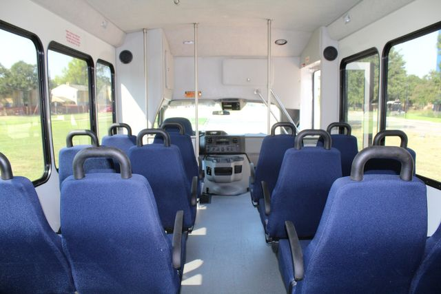 2013 Ford E350 15 Passenger Starcraft Shuttle Bus W/ Wheelchair Lift Irving, Texas 24