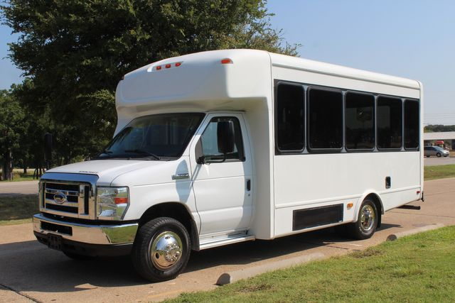 2013 Ford E350 15 Passenger Starcraft Shuttle Bus W/ Wheelchair Lift Irving, Texas 3