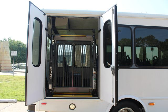 2013 Ford E350 15 Passenger Starcraft Shuttle Bus W/ Wheelchair Lift Irving, Texas 51