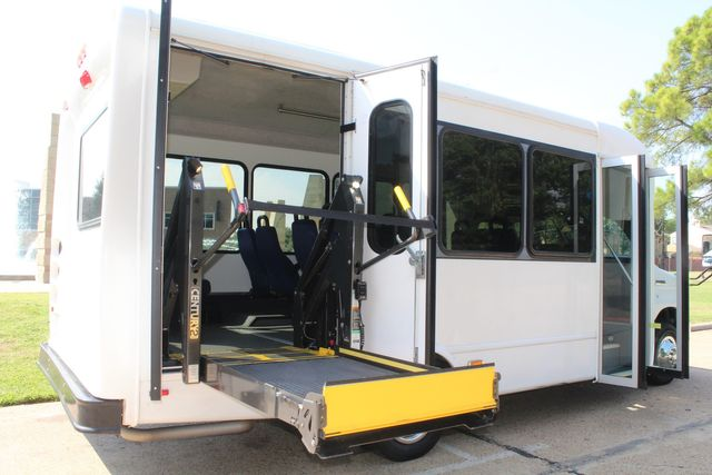 2013 Ford E350 15 Passenger Starcraft Shuttle Bus W/ Wheelchair Lift Irving, Texas 53