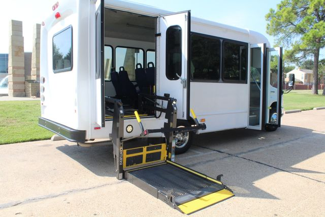 2013 Ford E350 15 Passenger Starcraft Shuttle Bus W/ Wheelchair Lift Irving, Texas 54