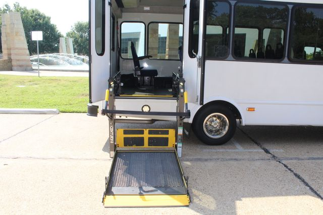 2013 Ford E350 15 Passenger Starcraft Shuttle Bus W/ Wheelchair Lift Irving, Texas 55