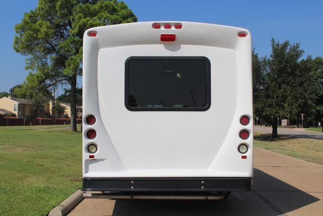 2013 Ford E350 15 Passenger Starcraft Shuttle Bus W/ Wheelchair Lift Irving, Texas 6