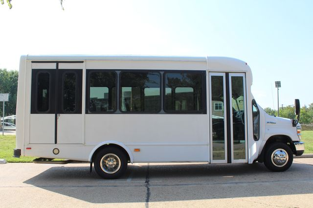 2013 Ford E350 15 Passenger Starcraft Shuttle Bus W/ Wheelchair Lift Irving, Texas 8