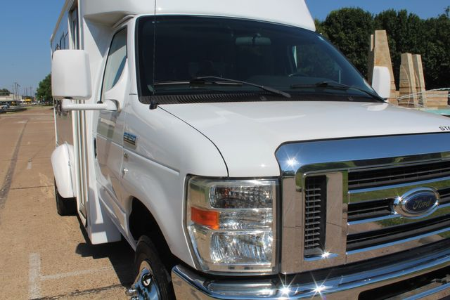 2013 Ford E350 15 Passenger Starcraft Shuttle Bus W/ Co-pilot Seat in Irving, Texas 75060