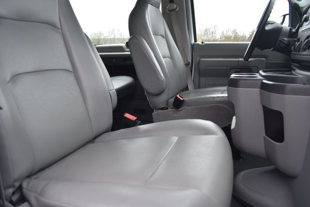 2013 Ford E350 Econoline Passenger Naugatuck, Connecticut 8
