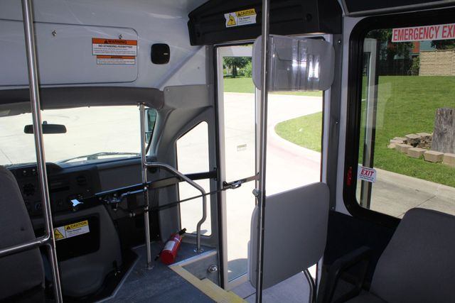 2013 Ford E450 15 Passenger Eldorado Shuttle Bus W/ Luggage Storage Irving, Texas 26