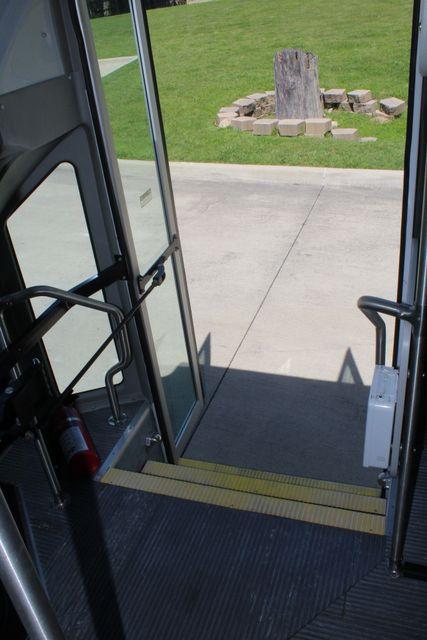 2013 Ford E450 15 Passenger Eldorado Shuttle Bus With Luggage Storage Irving, Texas 27