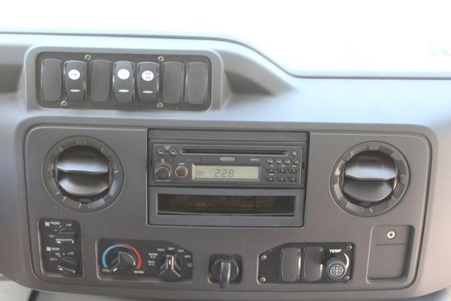 2013 Ford E450 15 Passenger Eldorado Shuttle Bus W/ Luggage Storage Irving, Texas 33