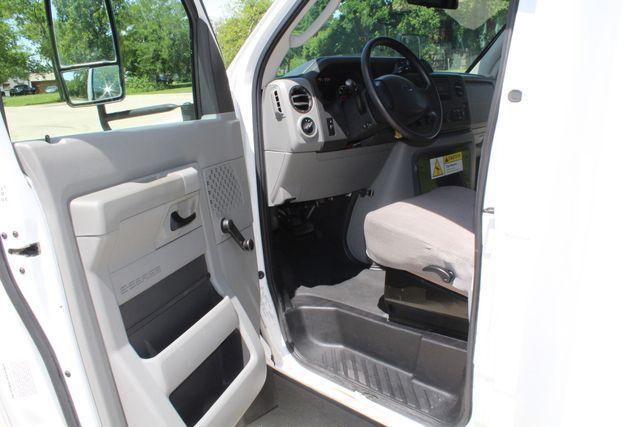 2013 Ford E450 15 Passenger Eldorado Shuttle Bus W/ Luggage Storage Irving, Texas 39