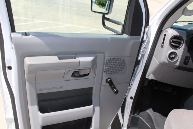 2013 Ford E450 15 Passenger Eldorado Shuttle Bus W/ Luggage Storage Irving, Texas 40