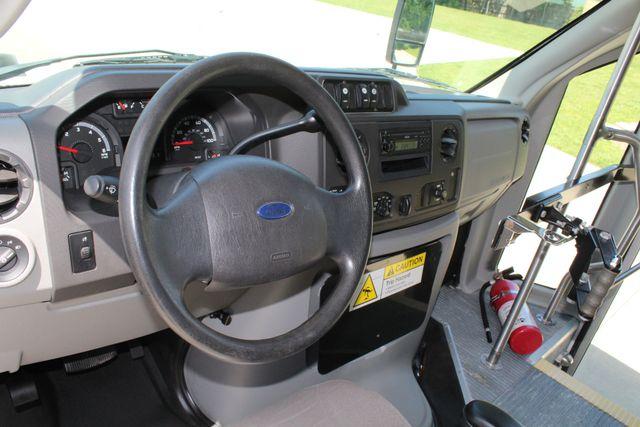 2013 Ford E450 15 Passenger Eldorado Shuttle Bus W/ Luggage Storage Irving, Texas 42
