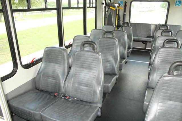 2013 Ford E450 Starcraft 21 Passenger CNG Shuttle Bus W/ Wheelchair Lift Irving, Texas 15