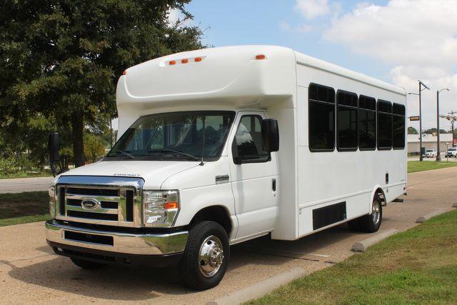 2013 Ford E450 Starcraft 21 Passenger CNG Shuttle Bus W/ Wheelchair Lift Irving, Texas 2