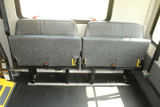 2013 Ford E450 Starcraft 21 Passenger CNG Shuttle Bus W/ Wheelchair Lift Irving, Texas 20