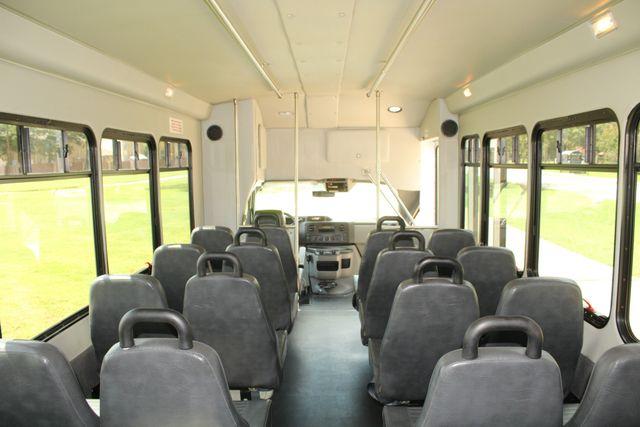 2013 Ford E450 Starcraft 21 Passenger CNG Shuttle Bus W/ Wheelchair Lift Irving, Texas 24