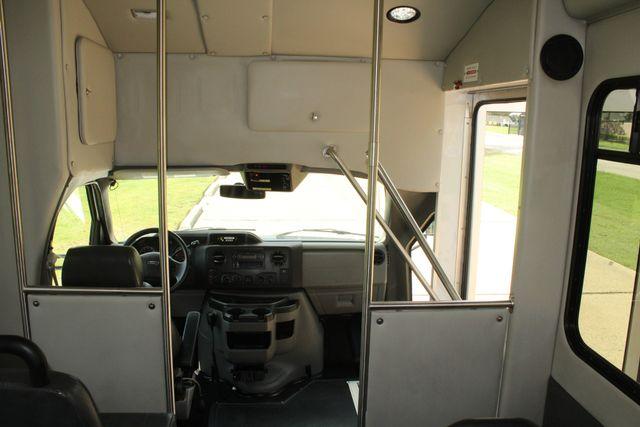 2013 Ford E450 Starcraft 21 Passenger CNG Shuttle Bus W/ Wheelchair Lift Irving, Texas 25