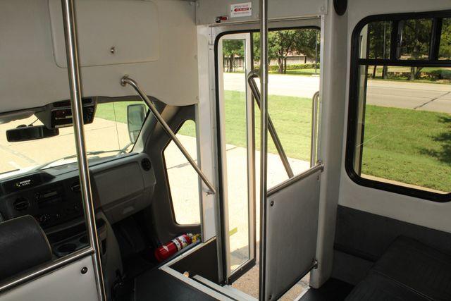 2013 Ford E450 Starcraft 21 Passenger CNG Shuttle Bus W/ Wheelchair Lift Irving, Texas 26
