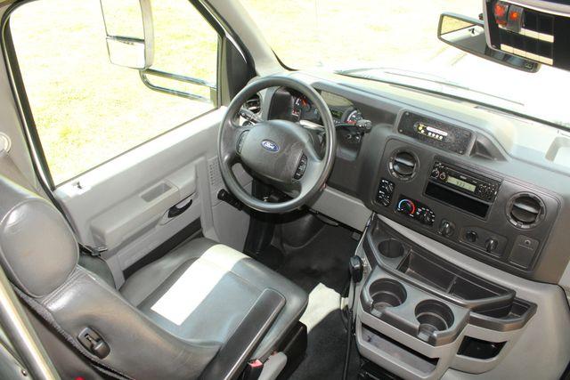 2013 Ford E450 Starcraft 21 Passenger CNG Shuttle Bus W/ Wheelchair Lift Irving, Texas 34