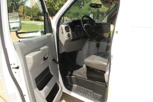 2013 Ford E450 Starcraft 21 Passenger CNG Shuttle Bus W/ Wheelchair Lift Irving, Texas 46