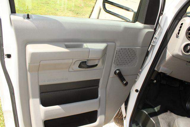 2013 Ford E450 Starcraft 21 Passenger CNG Shuttle Bus W/ Wheelchair Lift Irving, Texas 47