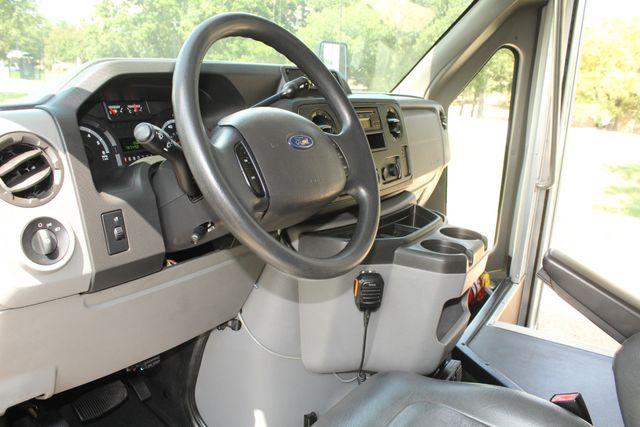 2013 Ford E450 Starcraft 21 Passenger CNG Shuttle Bus W/ Wheelchair Lift Irving, Texas 49
