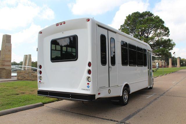 2013 Ford E450 Starcraft 21 Passenger CNG Shuttle Bus W/ Wheelchair Lift Irving, Texas 6