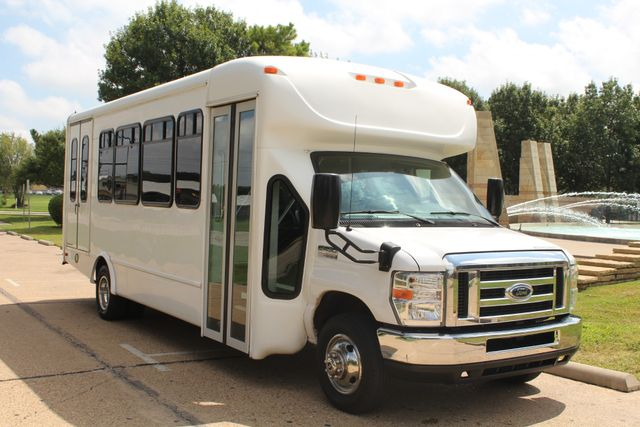 2013 Ford E450 Starcraft 21 Passenger CNG Shuttle Bus W