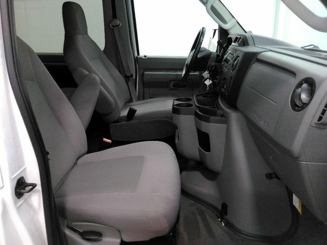 2013 Ford E-Series Wagon XLT in St. Louis, MO 63043