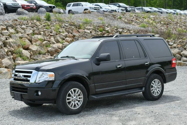2013 Ford Expedition XLT 4WD Naugatuck, Connecticut 2
