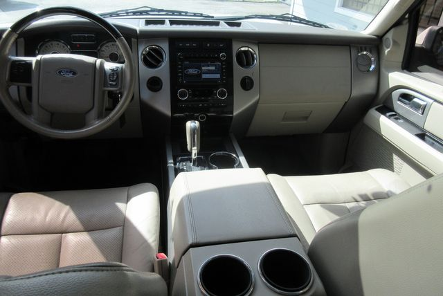 2013 Ford Expedition Limited south houston, TX 8