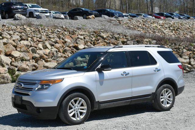 2013 Ford Explorer XLT 4WD Naugatuck, Connecticut 2