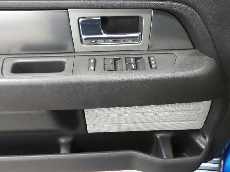 2013 Ford F-150 4WD SuperCrew 145 FX4  in Victoria, MN