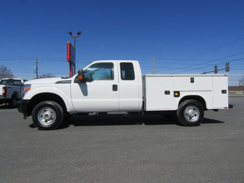2013 Ford F250 Extended Cab 4x4 with New 8' Knapheide Utility Bed in Ephrata, PA