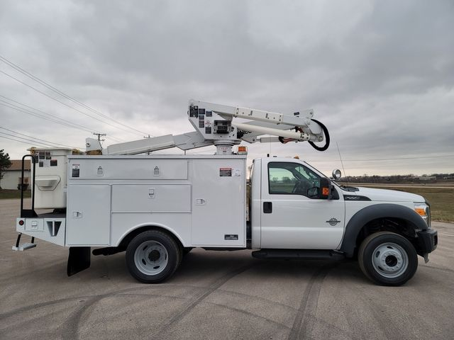 2013 Ford F550 bucket truck Lake In The Hills, IL 1