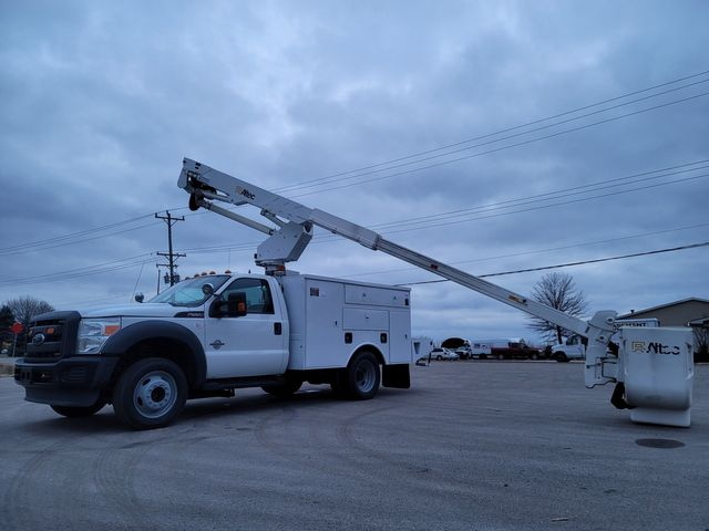 2013 Ford F550 bucket truck Lake In The Hills, IL 33