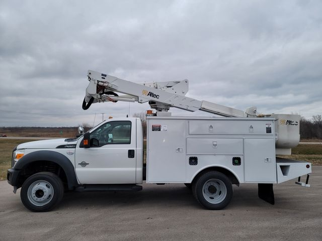2013 Ford F550 bucket truck Lake In The Hills, IL 5
