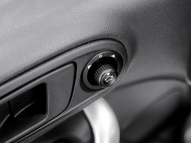 2013 Ford Fiesta SE Burbank, CA 18