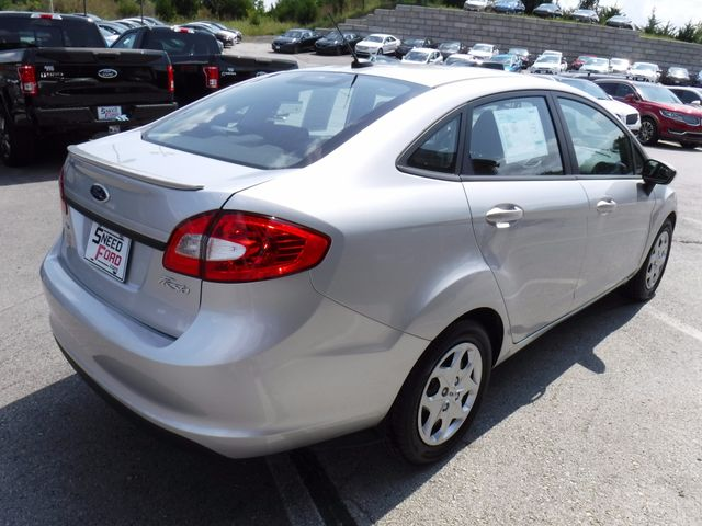 2013 Ford Fiesta SE Sedan in Gower Missouri, 64454