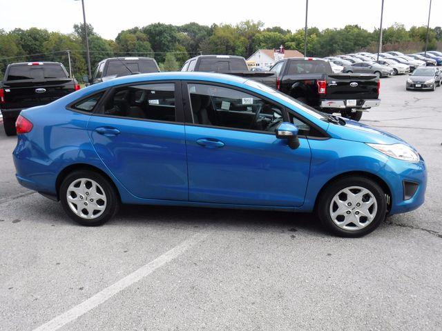 2013 Ford Fiesta SE Sedan in Gower Missouri, 64454