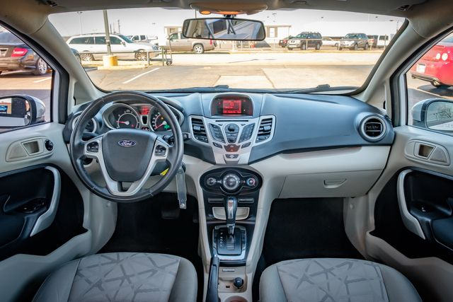 2013 Ford Fiesta SE in Memphis, Tennessee 38115