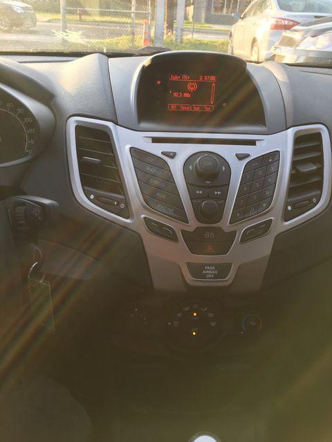 2013 Ford Fiesta SE New Brunswick, New Jersey 19