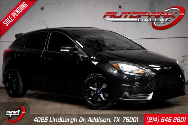 2013 Ford Focus ST w/ Navigation & ST2 Package*
