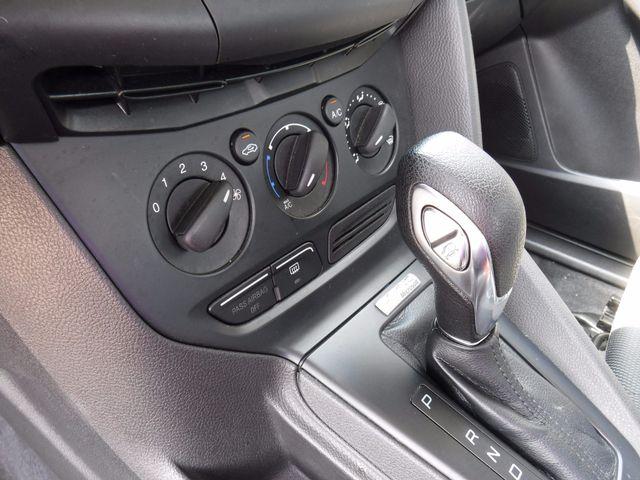 2013 Ford Focus S Sedan in Gower Missouri, 64454