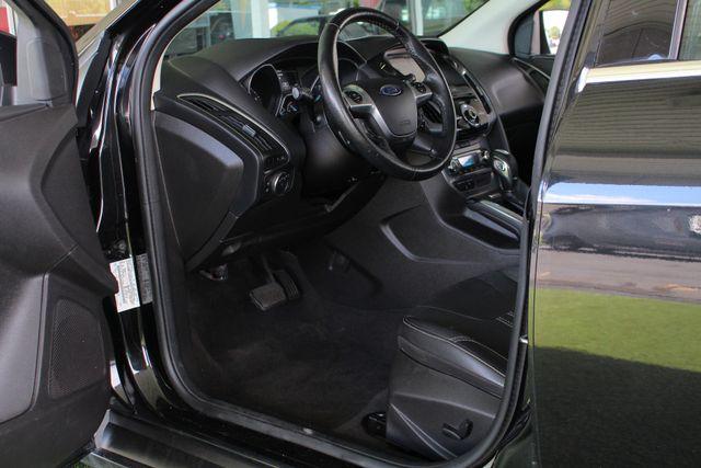2013 Ford Focus Titanium - NAVIGATION - SUNROOF - HANDLING PKG! Mooresville , NC 29